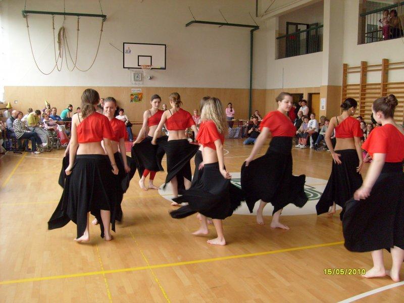 Bosé tanečnice